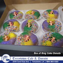 Donut_King_Cake_Box_PNG